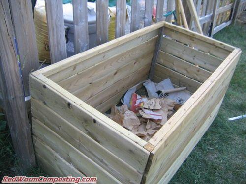 Backyard Bins bentley's diy backyard bin | red worm composting