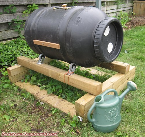 Worm Composting In A Compost Tumbler