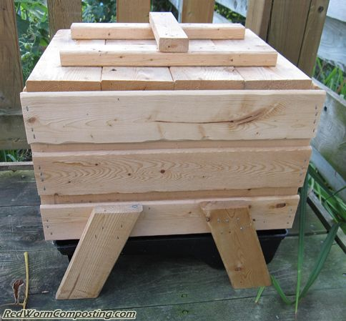 Wooden Stacking Bin 08 17 10 Red Worm Composting